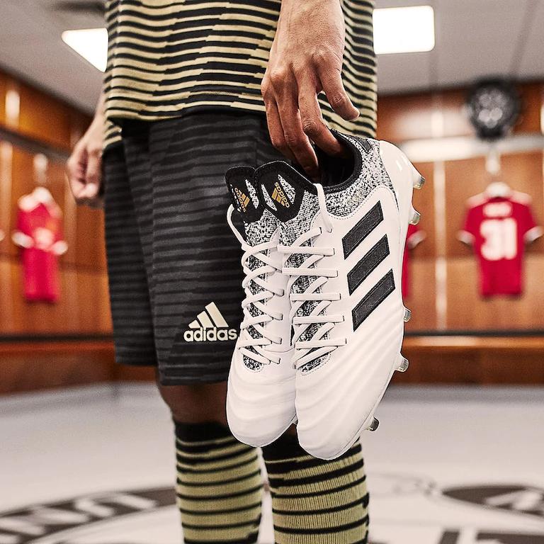 meet 385c7 95cca Kopačky adidas Copa 17.1 FG bílá černá